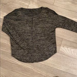 L/S double cold shoulder Lucky Brand tee blouse.